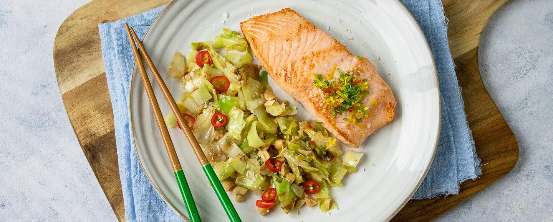 Rezept gebratenes Lachsfilet auf Spitzkohl