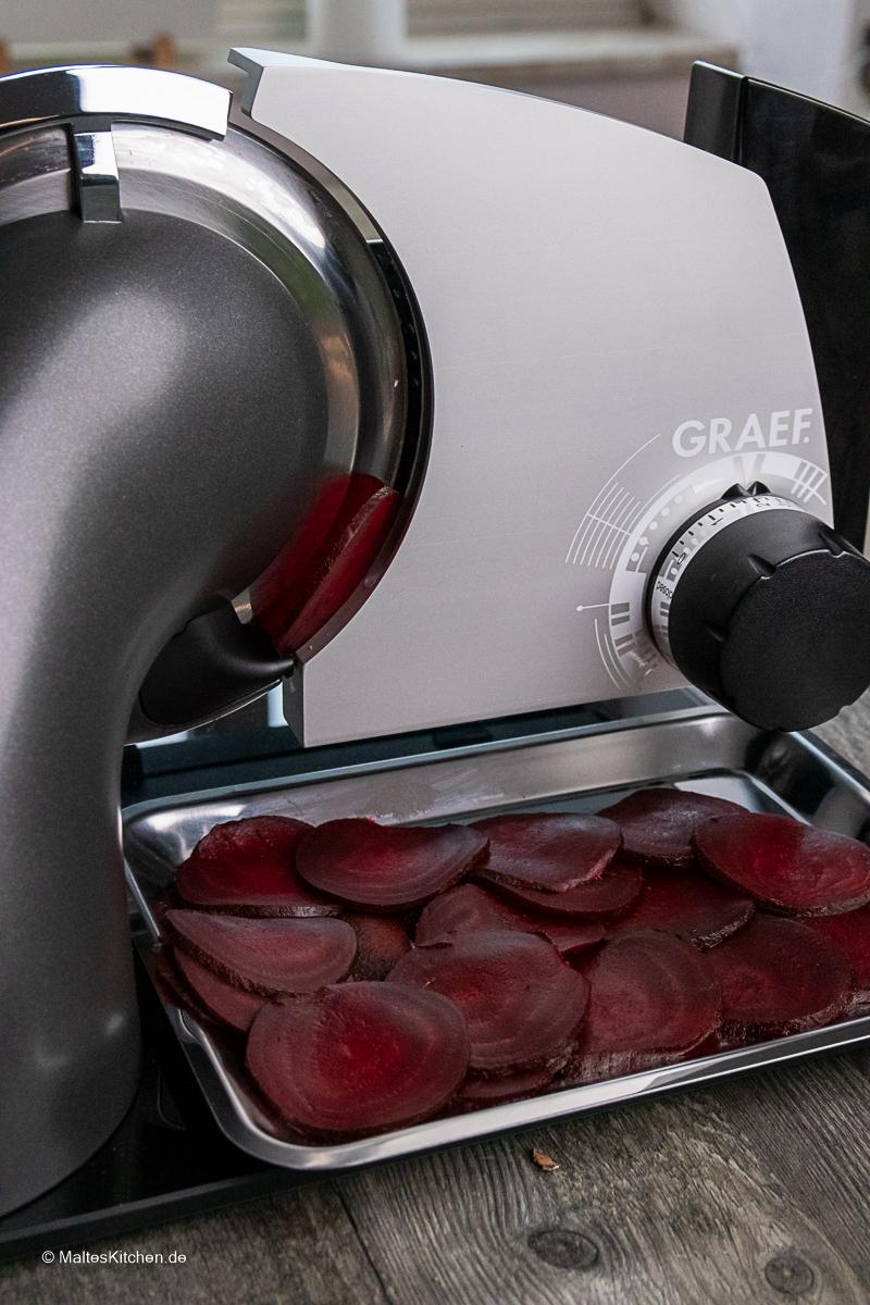 Rote Bete, fein geschnitten mit dem  Feinschneider SKS700 von GRAEF.