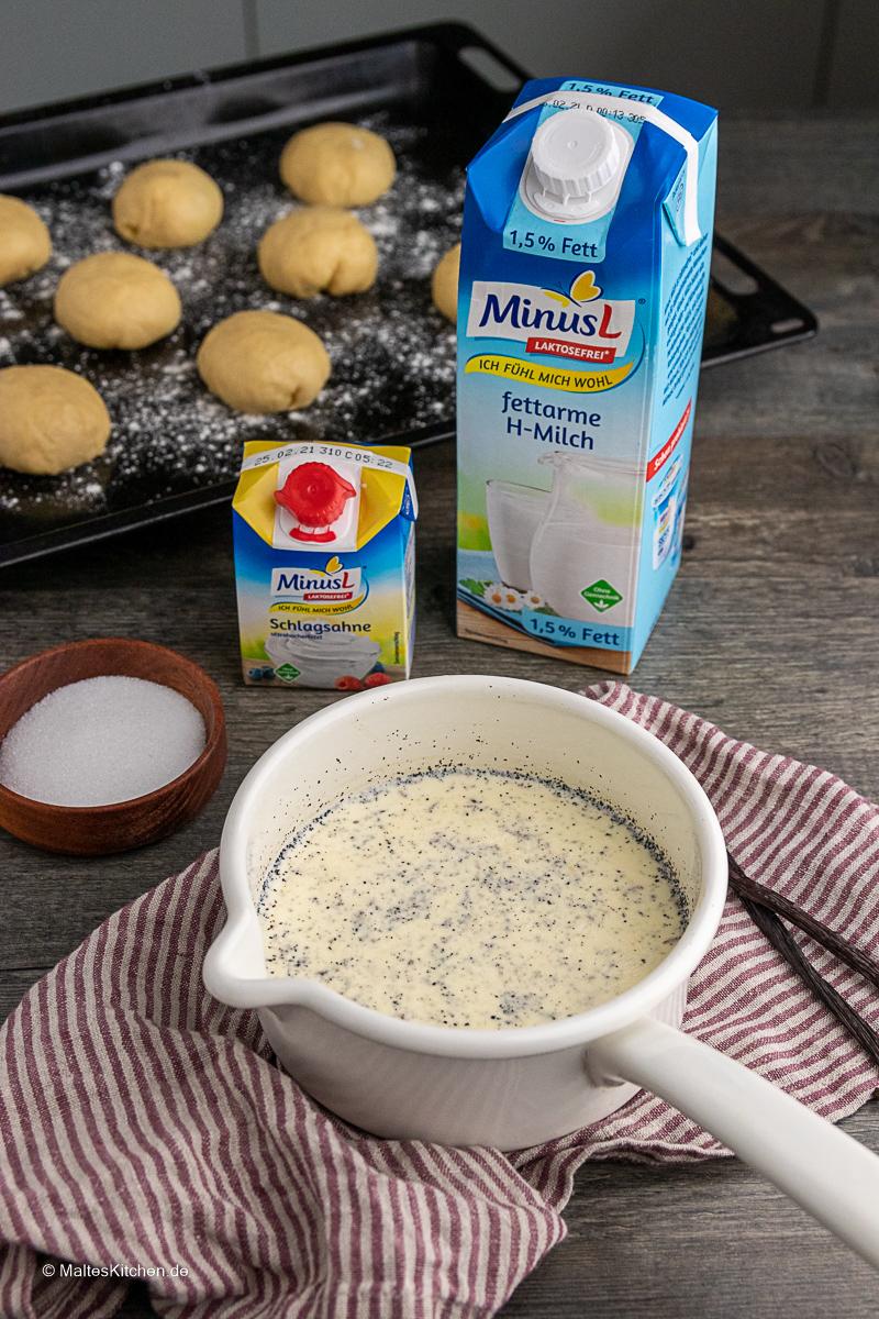 Vanillesauce mit MinusL Milch und Sahne.