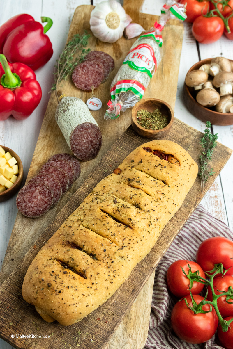 Knuspriger Stromboli mit leckerer PICK Salami.