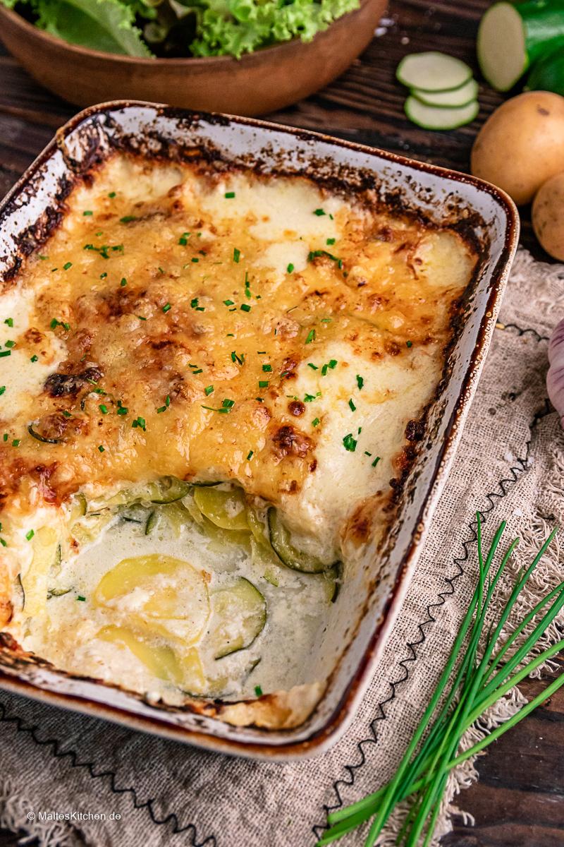 Lecker und einfach zu kochen. Der Kartoffel-Zucchini-Auflauf.