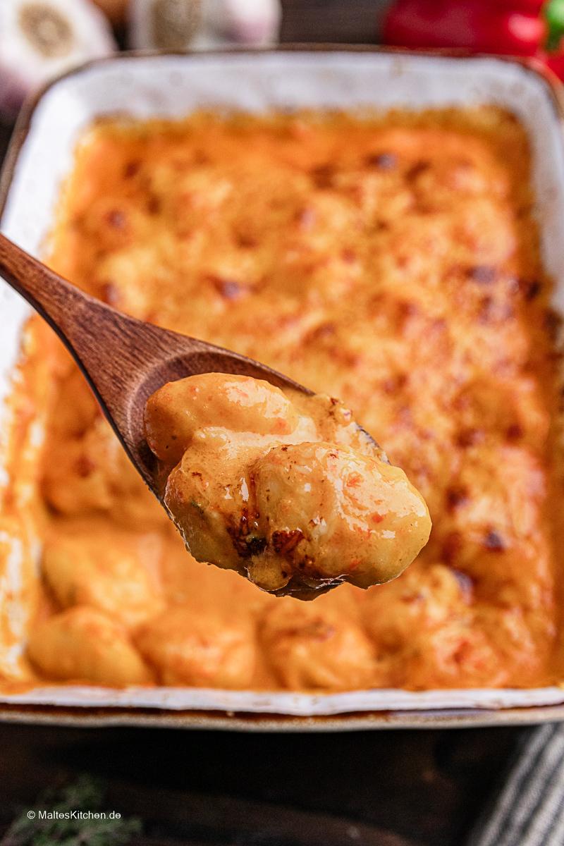 Leckerer Gnocchi-Auflauf mit Käse.