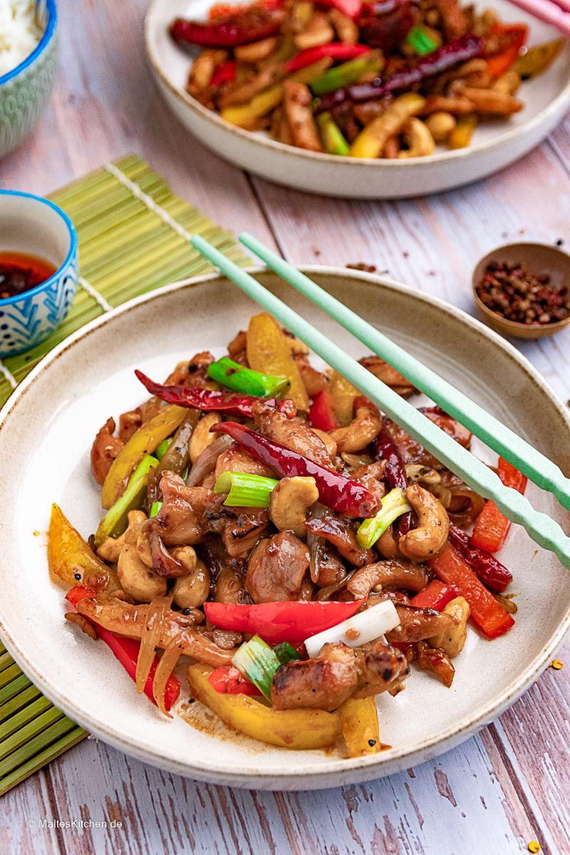 Hähnchen nach Szechuan Art - saftig, pikant und lecker.