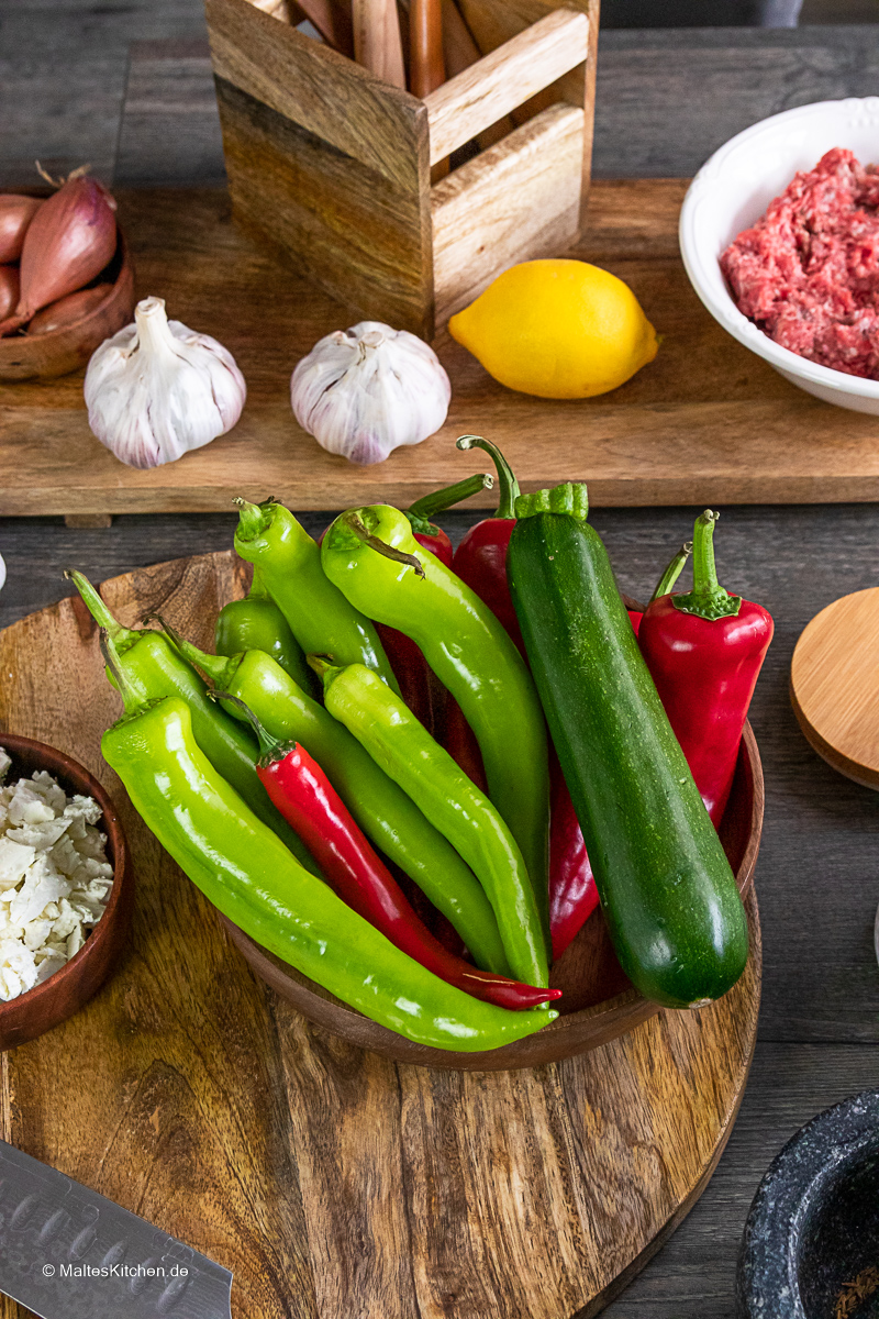 Paprika, Spitzpaprika und Zucchini für meine Hackfleischpfanne.