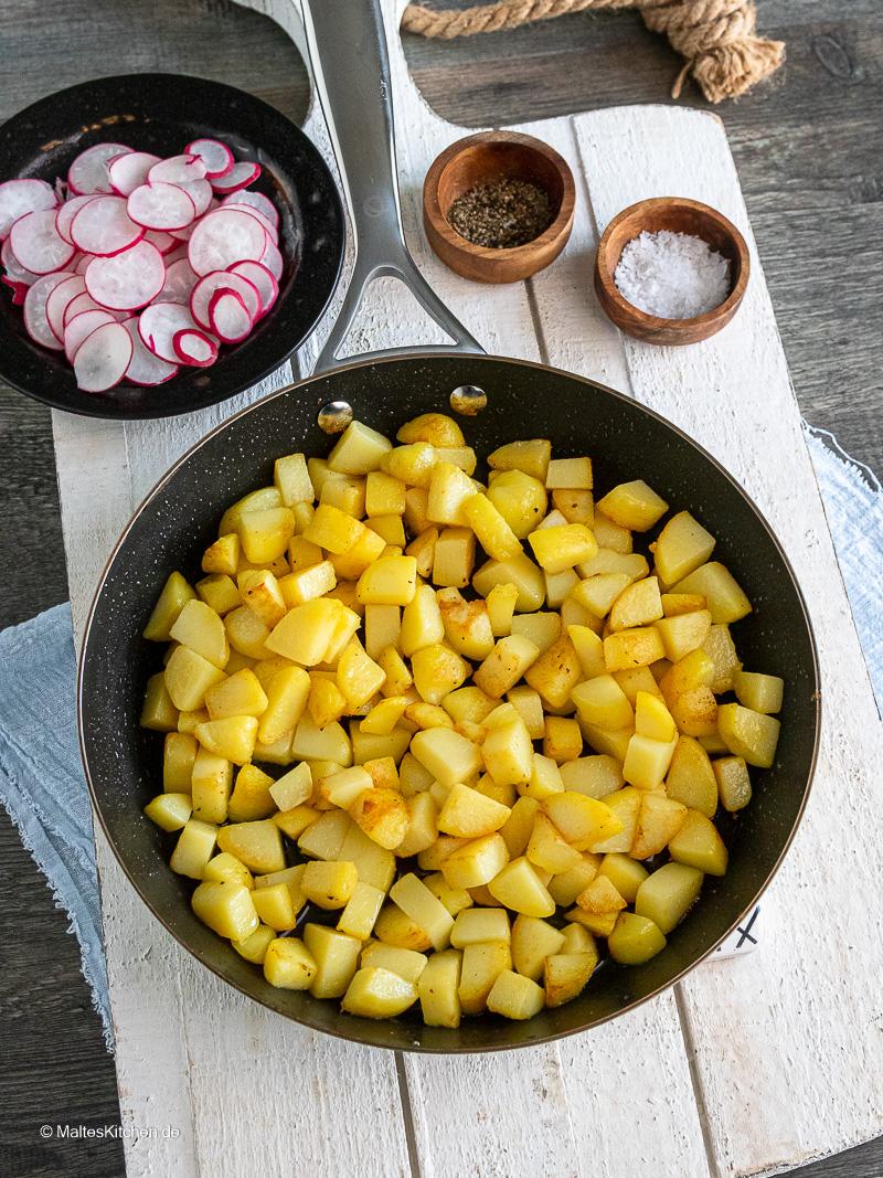 Kartoffeln für den Kartoffelsalat.