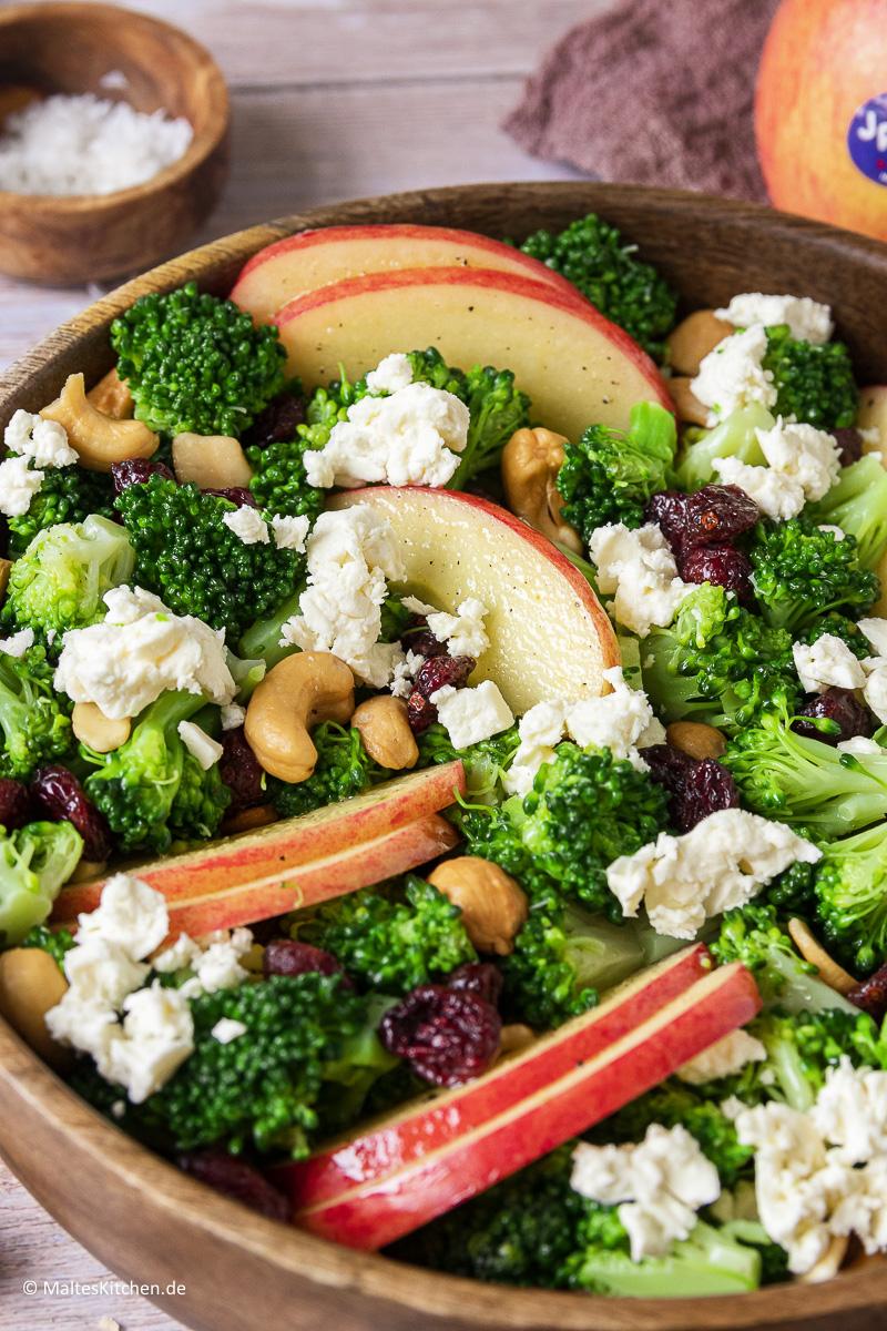 Leckerer Salat mit JAZZ Äpfeln und Brokkoli.